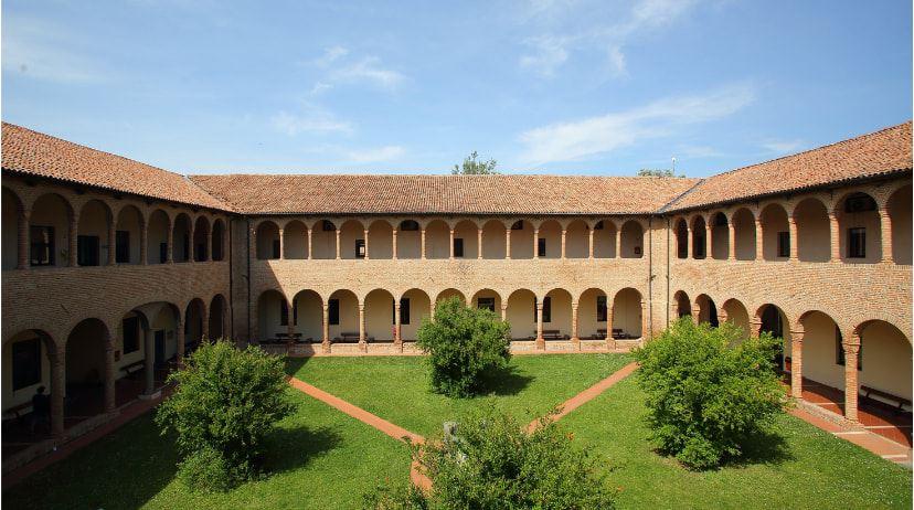 Ferrara - Il Chiostro di Santa Maria delle Grazie